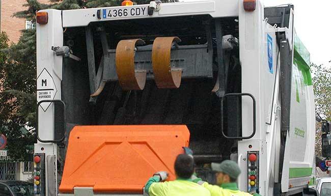 empresas de servicios integrales en Madrid huelga indefinida recogida de basuras